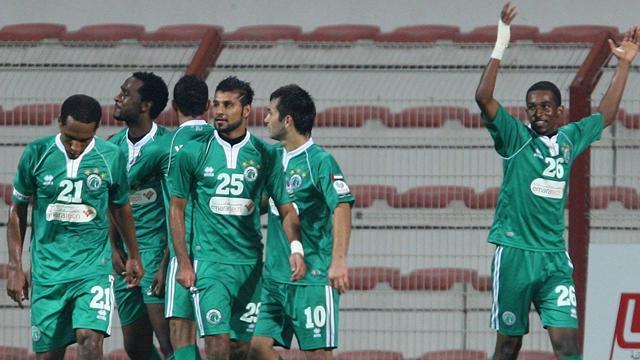 الشباب ينتزع فوزا صعبا من الوحدة في الدوري الإماراتي