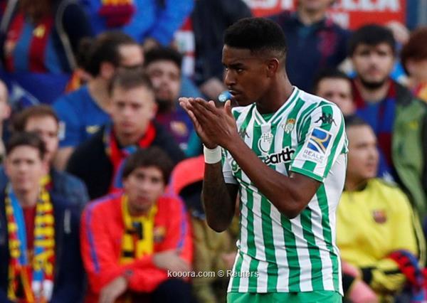 لاعب بيتيس يعترف بمفاوضات ريال مدريد