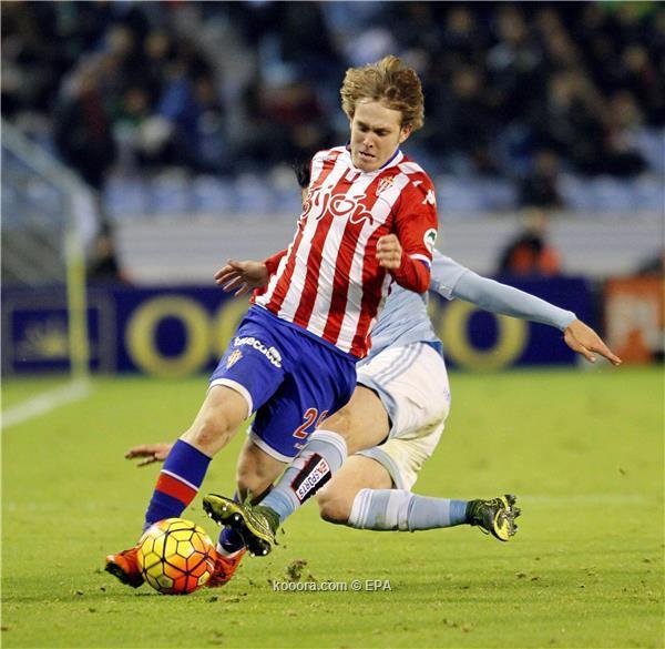 برشلونة يقرر إعارة  خليلوفيتش مرة أخرى ?i=albums%2fmatches%2f1404361%2f2015-11-29-05046554_epa