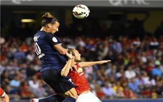 سان جيرمان يفتتح الدوري الفرنسي بفوز وهدف وبطاقة حمراء
