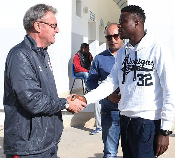 المدرب رود كرول مع المنتدب الجديد النيجيري اروم اوبانور