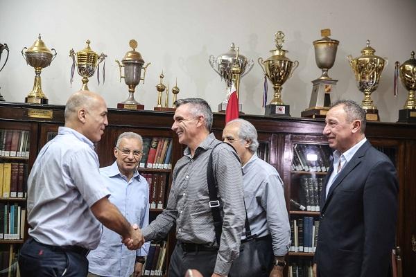 كارتيرون يطلب وديتين للأهلي في معسكر الإسكندرية