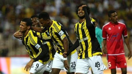 هل يقبل الاتحاد هدية الهلال والأهلي في الدوري السعودي؟