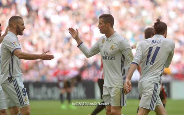 صحيفة تكشف أسباب تأخر ريال مدريد في حسم صفقة الموسم