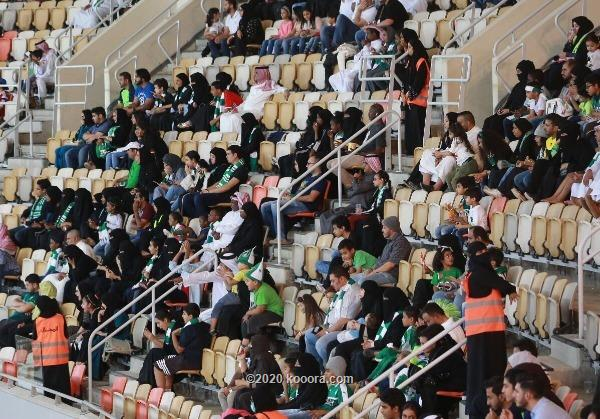 تخصيص مدرجات مجانية لجماهير الدوري السعودي