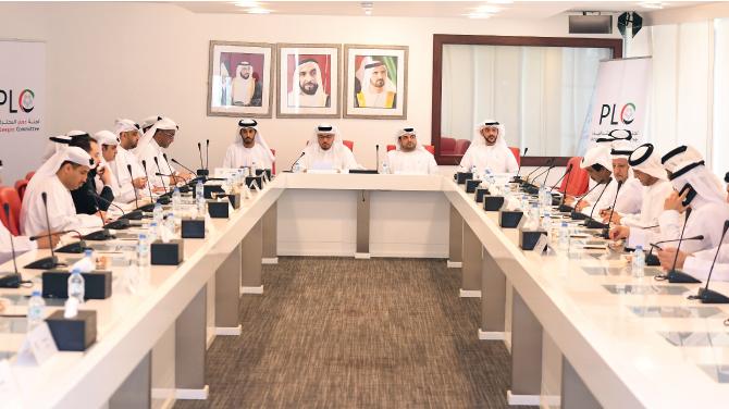 أندية المحترفين الإماراتية تناقش إجراءات الرقابة على الرواتب