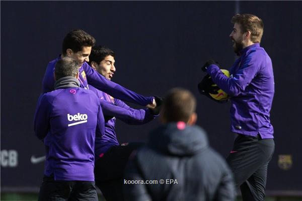 جوارديولا يخطط للتعاقد مع قلب دفاع برشلونة ?i=epa%2fsoccer%2f2015-02%2f2015-02-20%2f2015-02-20-04628637_epa