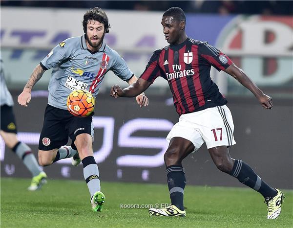 ميلان يقترب من نهائي كأس إيطاليا بالفوز ذهاباً على أليساندريا