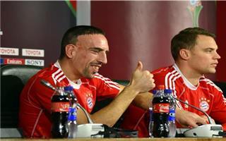 كريستيانو رونالدو يبكي وميسي يصفق ونوير عليه وهؤلاء مظلومون