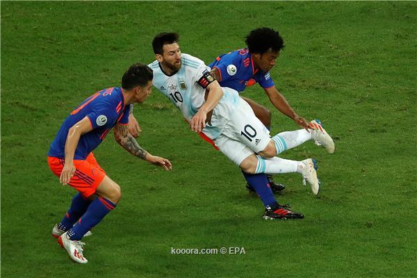 الأرجنتين تسقط بثنائية أمام كولومبيا