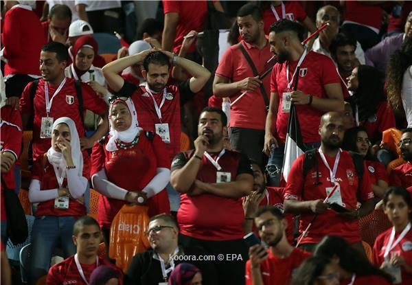 الجماهير المصرية تساند نيجيريا وتوجه