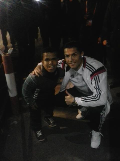 بالصور لاعبو ريال مدريد يرحبون بمغربي الإحتياجات الخاصة