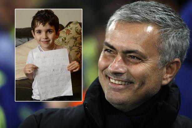 مورينيو يرد على طلب غريب من طفل عمره 6 سنوات