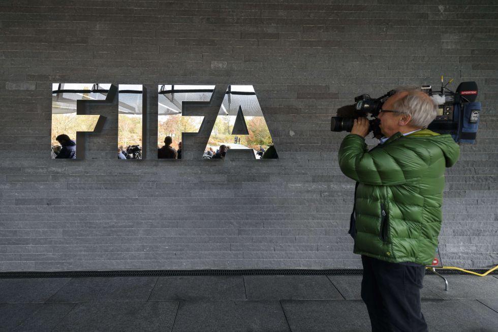 عاجل: فيفا تحظر ريال مدريد 1452769877_718328_1452770336_noticia_grande22.jpg