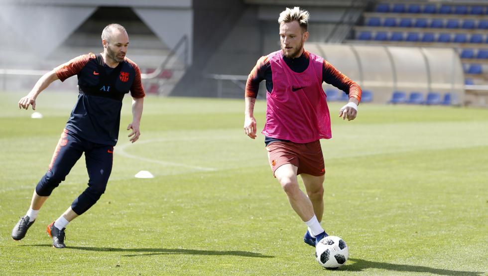 برشلونة يدخل نهائي الكأس بتشكيلة الفوز على اتلتيكو