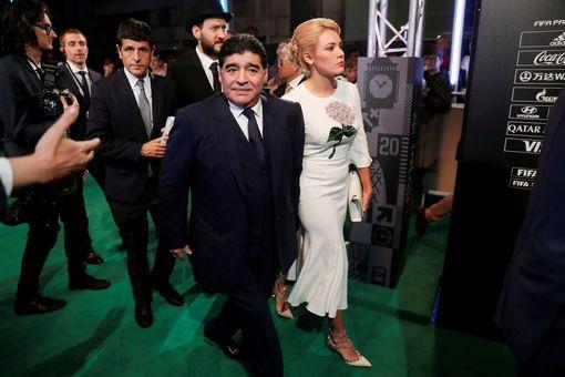كريستيانو رونالدو أفضل لاعب العالم maradona.jpg