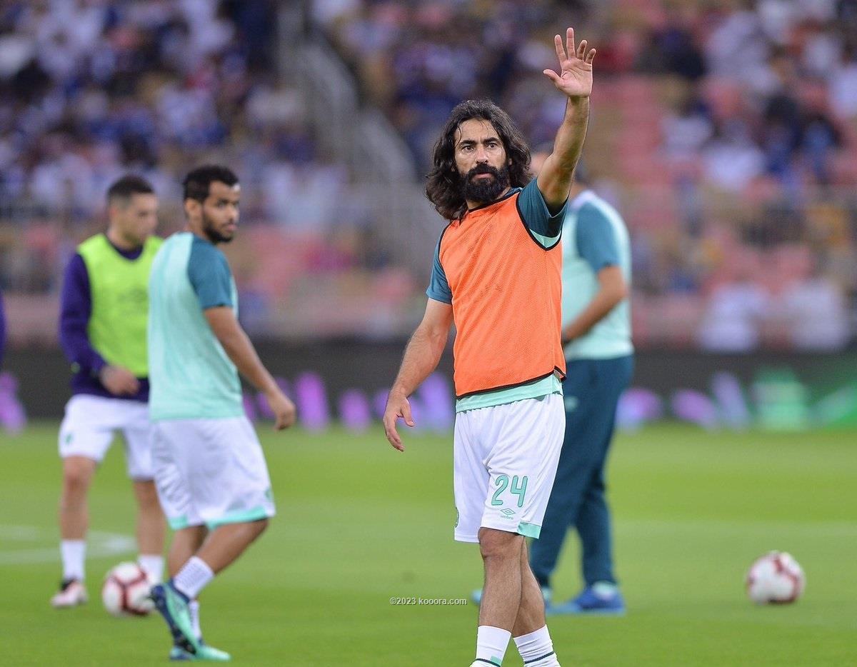 حسين عبدالغني يقرر اعتزال كرة القدم