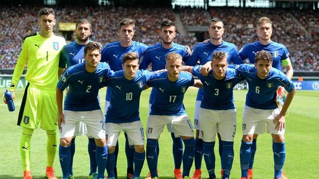 إيطاليا تعبر عقبة المكسيك العالم