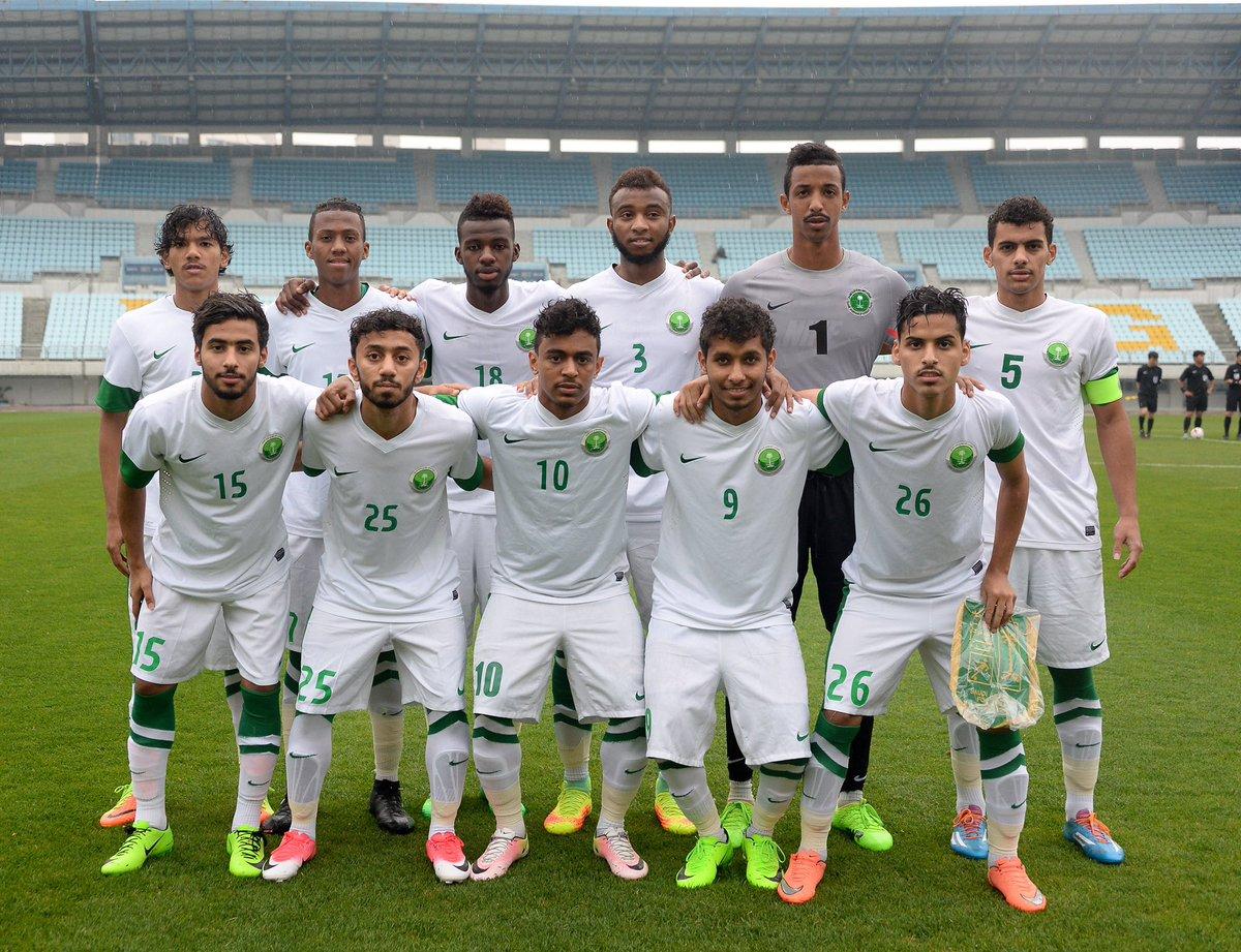 السعودية تفتتح تدريباتها بولندا استعدادا