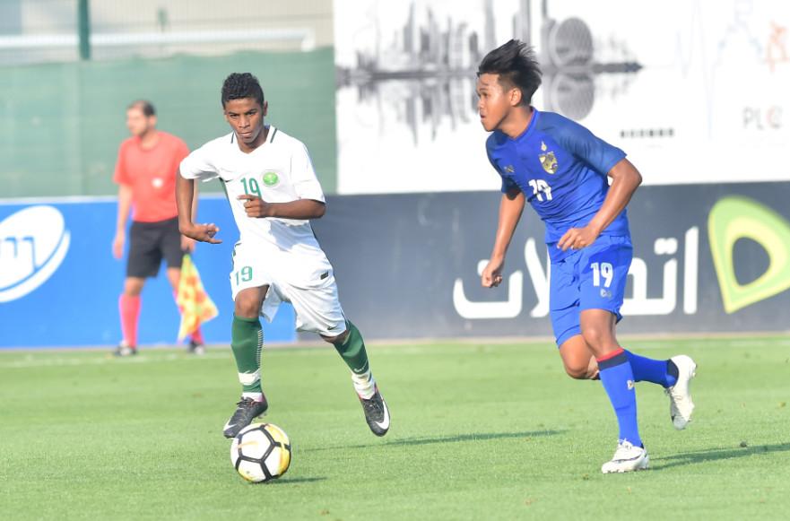 منتخب الشباب السعودي يهزم تايلاند بكأس دبي 2018-03-23_162958.jpg