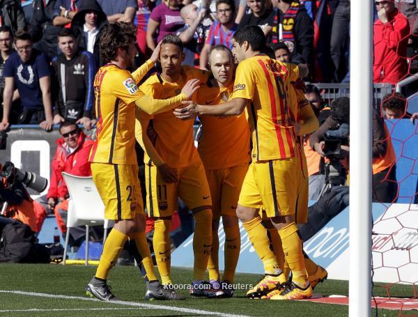 الدوري الاسباني : برشلونة ينفرد بالصدرة بفوزه علي ليفانتي
