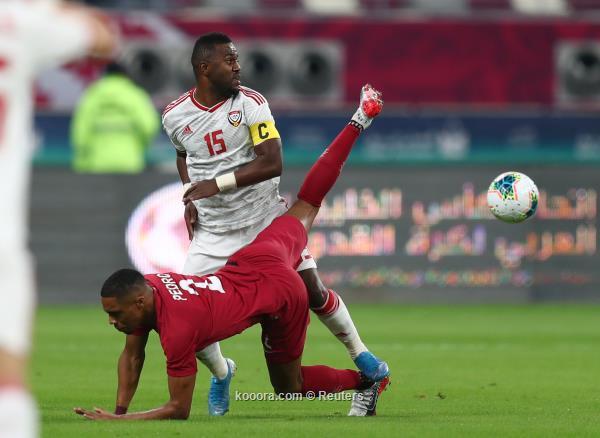 Soccer Football - Gulf Cup - Group A - Qatar v United Arab Emirates - Khalifa International Stadium, Doha, Qatar - December 2, 2019   United Arab Emirates' Ismail Al Hammadi in action with Qatar's Ro-Ro