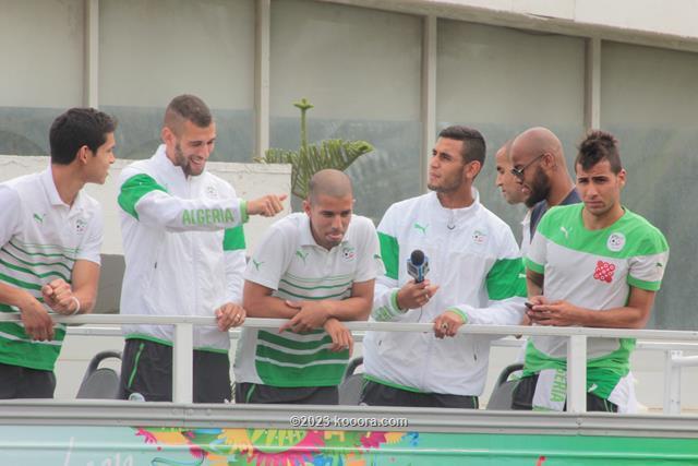 """بالفيديو والصور.. إستقبال الأبطال لمنتخب """"الخضر"""" في الجزائر Koo_4"""