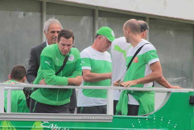 """بالفيديو والصور.. إستقبال الأبطال لمنتخب """"الخضر"""" في الجزائر Koo_8"""