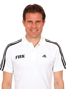 http://img.kooora.com/?i=worldcup2014%2freferee%2ffelix_brych-germany.jpg