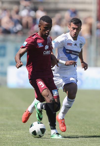 الليبي احمد يلعب لإيفرتون الانجليزي