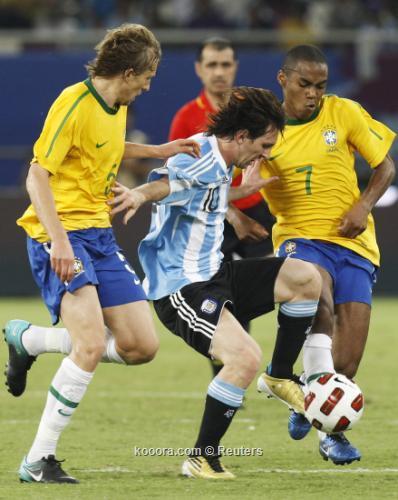 تغطيه نتائج المباريات الوديه  I.aspx?i=albums%2fleagues%2f5238%2f2010-11-17t195039z_01_qat29_rtridsp_3_soccer-friendly_reuters