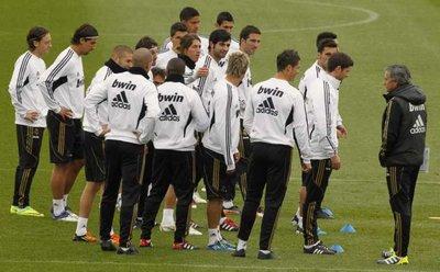 ريال مدريد كامل العدد قبل موقعة الكلاسيكو غداً i.aspx?i=albums%2fte
