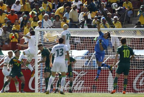 الجزائر سلوفينيا ألبوم الصور صورة) 2010-06-13t114527z_01_wca15_rtridsp_3_soccer-world_reuters.jpg