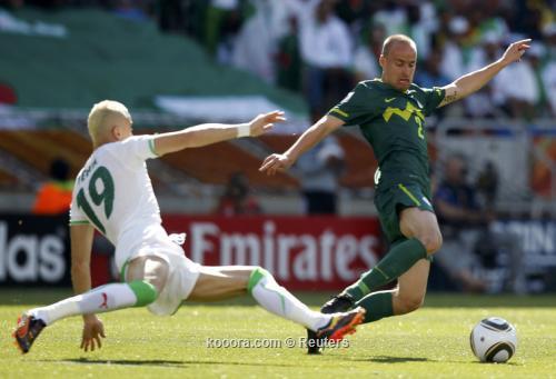 الجزائر سلوفينيا ألبوم الصور صورة) 2010-06-13t115545z_01_wca112_rtridsp_3_soccer-world_reuters.jpg