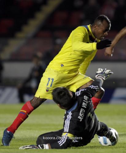 تعادل باراجواي والإكوادور سلبيا في 2011-07-032011-07-03t221745z_01_bas539_rtridsp_3_soccer-copa_reuters.jpg