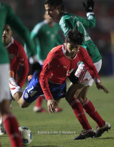 تشيلي تفلت من الكمين وتحقق 2011-07-05t012936z_01_sju657_rtridsp_3_soccer-copa_reuters.jpg