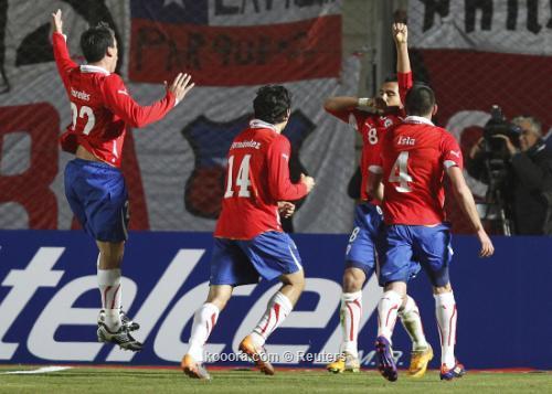 تشيلي تفلت من الكمين وتحقق 2011-07-05t023634z_01_sju540_rtridsp_3_soccer-copa_reuters.jpg