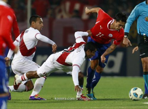 """منتخب تشيلي يحسم """"كلاسيكو الباسيفيك"""" 2011-07-12t232427z_01_mdz712_rtridsp_3_soccer-copa_reuters.jpg"""