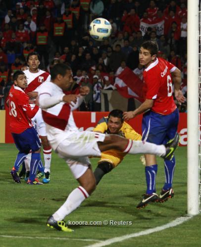 """منتخب تشيلي يحسم """"كلاسيكو الباسيفيك"""" 2011-07-12t235030z_01_mdz717_rtridsp_3_soccer-copa_reuters.jpg"""