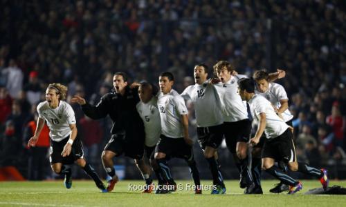 بيرو ترد اعتبارها وأوروجواي تحلم 2011-07-17t013400z_01_jmg126_rtridsp_3_soccer-copa_reuters.jpg