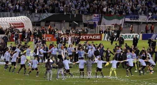 سواريز: أثبتنا أن تألقنا في 2011-07-24t214823z_01_jmg41_rtridsp_3_soccer-copa_reuters.jpg