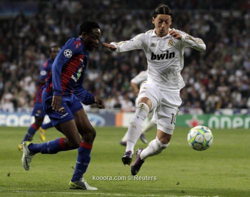 برشلونة وريال مدريد يواجهان مهمة متباينة في دوري الأبطال