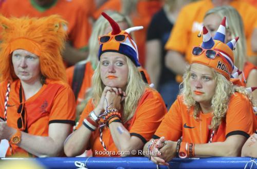 الطاحونة الهولندية تتمسك بالأمل وتعتبر الهزيمة أمام الدنمارك فألا حسنا
