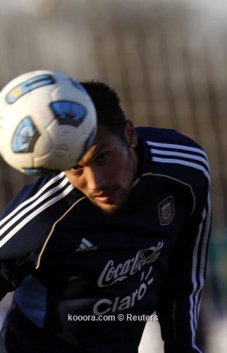 الأرجنتيني جاراي ينتقل من ريال 2011-07-04t215745z_01_bas211_rtridsp_3_soccer-copa_reuters.jpg