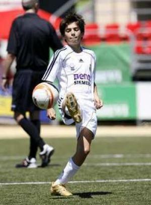 ريال مدريد يمتلك زيدان جديد enzozidane.jpg