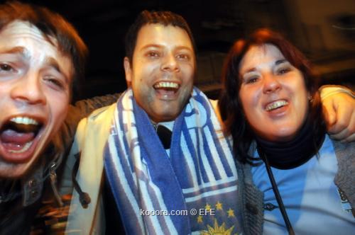 احتفالات صاخبة في مونتفيديو بعد 20110717-634464813007591969_efe.jpg