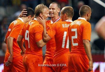 ديفو ينقذ الإنجليز من الهزيمة أمام هولندا وديا