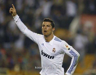 ** صور روعة من نهائي الكأس * ريال مدريد - برشلونة * مبرووووووووووك يا ملكي.. I.aspx?i=epa%2fsoccer%2f2011-04%2f2011-04-20%2f%2f2011-04-20-00000102696318