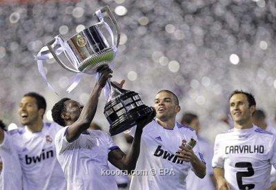 ** صور روعة من نهائي الكأس * ريال مدريد - برشلونة * مبرووووووووووك يا ملكي.. I.aspx?i=epa%2fsoccer%2f2011-04%2f2011-04-20%2f%2f2011-04-20-00000102696358