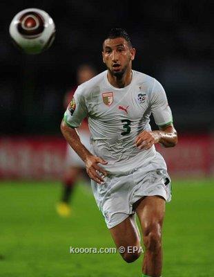 الجزائري نذير بلحاج يدعو نجوم السد القطري على العشاء إحتفالاً بجائزة أفضل لاعب